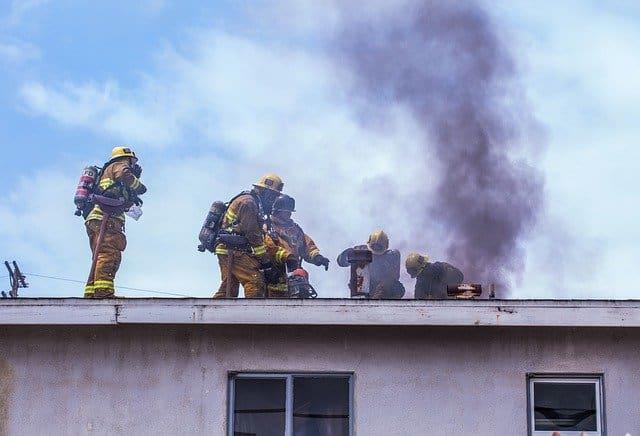"""מה עושים במקרה של שריפה בבית ומה עושים אח""""כ?"""